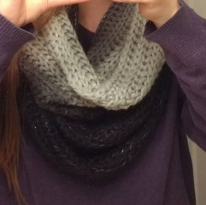 Accessories - NWT Fading Sparkly Scarf